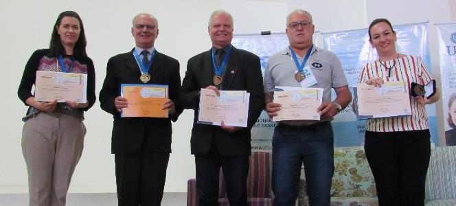 Oito professores são homenageados com o Prêmio Docência no Ensino Superior de Administração