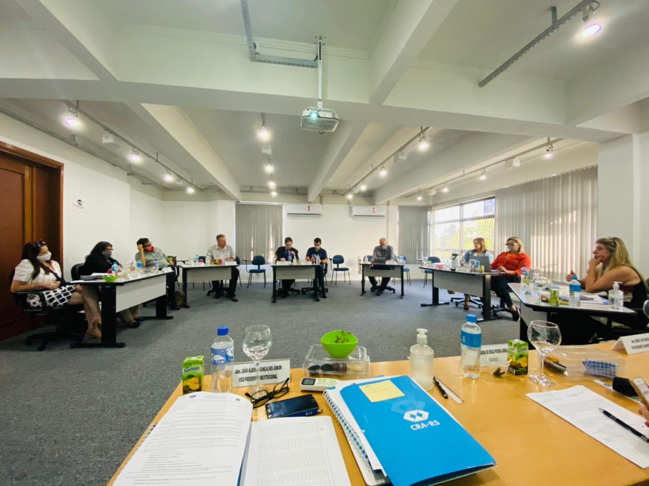 Comitês gestores das Câmaras de Ensino e Gestão Pública do CRA-RS são nomeados