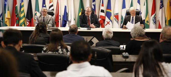Conselhos profissionais voltam a conversar sobre a PEC 108