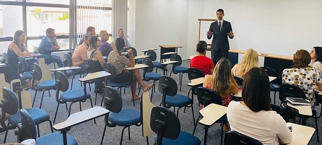 Gestores e fiscais de contratos do CRA-RS recebem treinamento